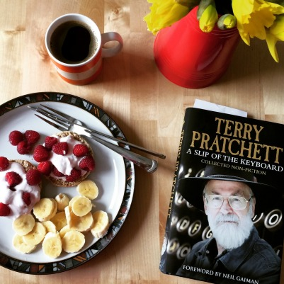 Vegan scone and Terry Pratchett book